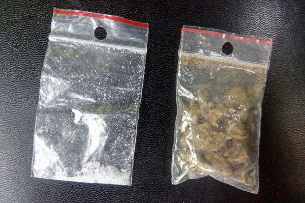 Kierowca i pasażer wpadli z narkotykami. Obaj trafili do... więzienia