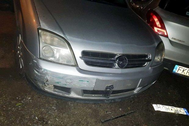 Pijany kierowca przerysował auta na Dolnych Młynach