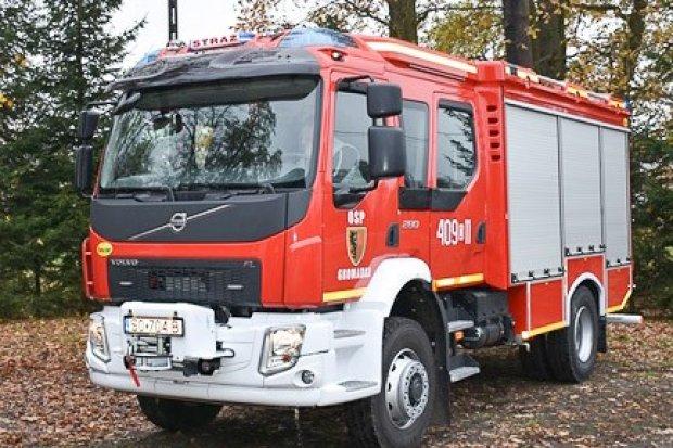 Strażacy z Gromadki z nowym wozem pożarniczym