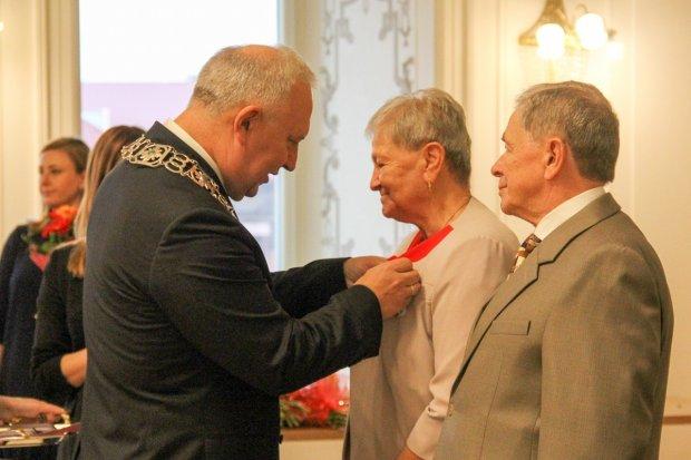 26 par otrzymało medale za długoletnie pożycie małżeńskie