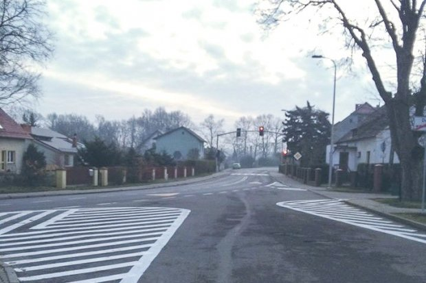 Nowa organizacja ruchu w Osiecznicy. Każdy przejazd na czerwonym będzie nagrywany!