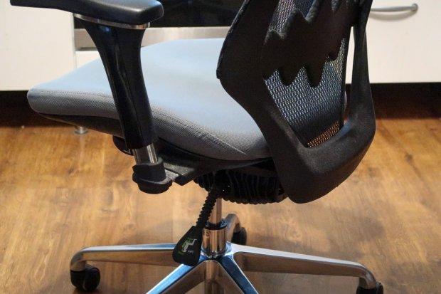 Czemu krzesła biurowe powinny być ergonomiczne?