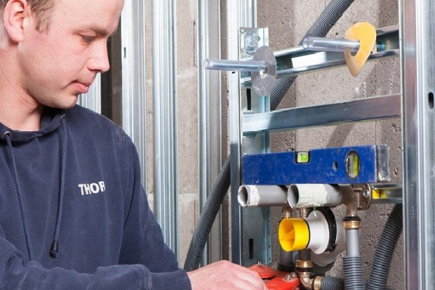 Praca dla hydraulika w niemieckiej firmie