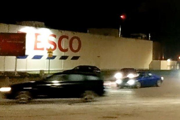 Chcieli podriftować przy Tesco, przeszkodziła im policja?