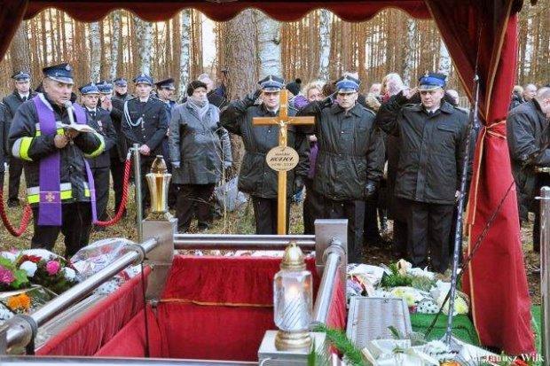 Pożegnali b. szefa OSP i komisariatu policji w Gromadce Stanisława Kozioła