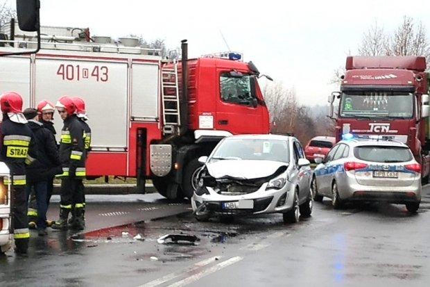 Zderzenie aut na skrzyżowaniu Kościuszki i Góralskiej