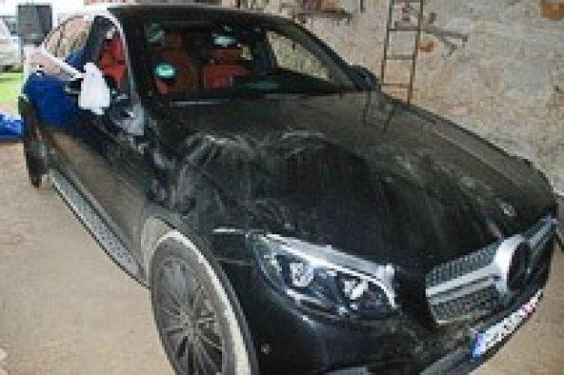 Ukrywali skradzione w Niemczech auto. Wartość pojazdu to ponad 400 tys. zł