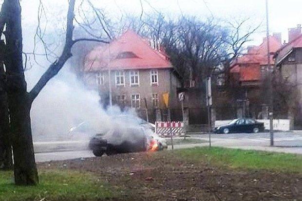 Pożar samochodu przy alei Tysiąclecia