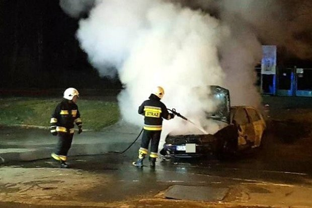 Na Gdańskiej spłonął Volkswagen Golf