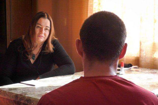 Wywiad z wypuszczonym z aresztu Dominikiem i jego dziadkiem