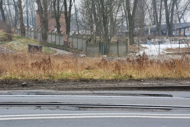 Wyrwy na Cieszkowskiego mają zniknąć do końca maja