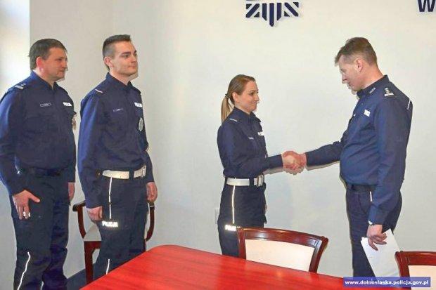 Policjanci nagrodzeni za ratowanie ludzkiego życia i profesjonalizm