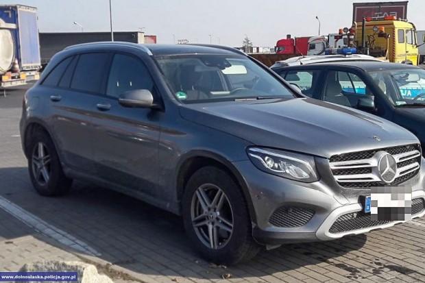 Odzyskali skradzionego w Niemczech Mercedesa. Złodziej zatrzymany w naszym powiecie