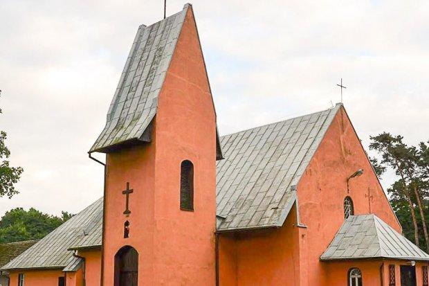 Droga krzyżowa w kościele w Nowej Kuźni