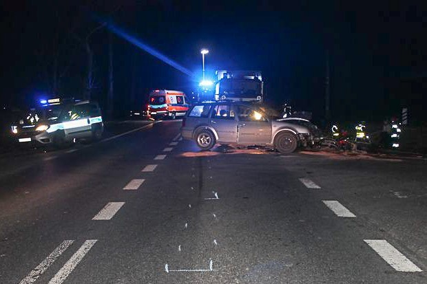 Śmiertelny wypadek na drodze wojewódzkiej. 22-letni motocyklista zginął na miejscu