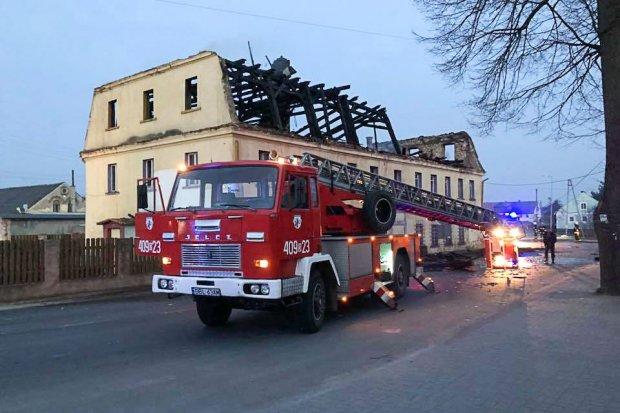 Pożar w Warcie. 12-godzinna akcja naszych strażaków