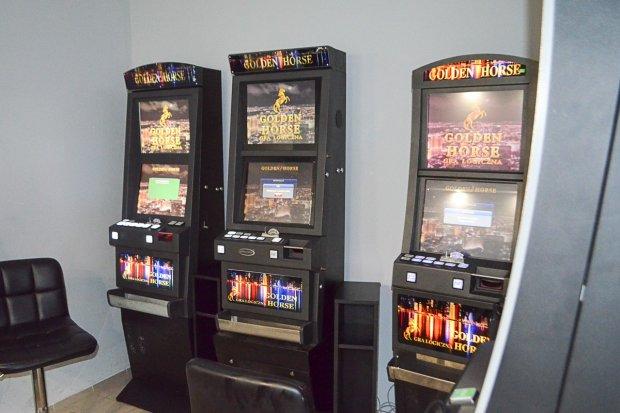 Kolejne nielegalne automaty przechwycone