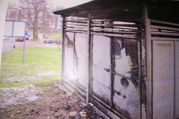 Po pijaku dla beki podpalił śmietnik, spowodował blisko 8-tysięczne straty