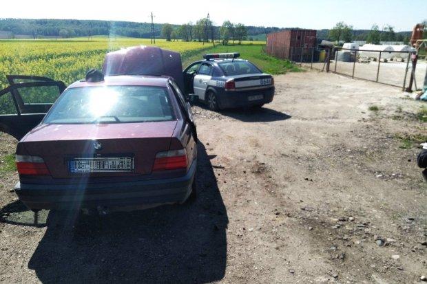 Policyjny pościg za kierowcą BMW zakończony w Rakowicach Wielkich