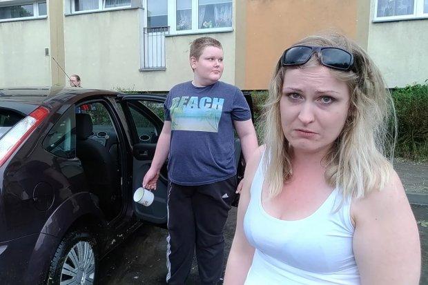 Zalało jej auto. Właścicielka jest zła i grozi... PWiK