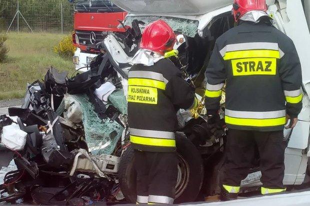 Śmiertelny wypadek na A18. Ukrainiec zginął na miejscu