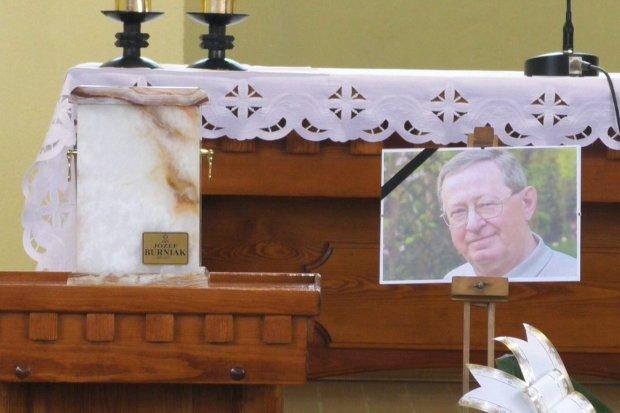 Bolesławianie żegnają prezydenta Józefa Burniaka – transmisja pogrzebu