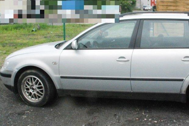 Kierowca z dwoma zakazami jechał skradzionym w Niemczech autem
