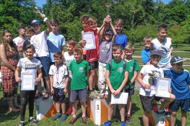 Biegacze z gminy Warta z 7 medalami Dolnośląskich Igrzysk Młodzieży