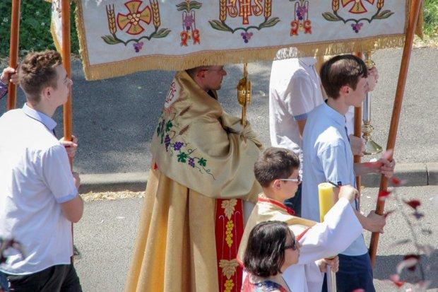 Religijne procesje w całym mieście