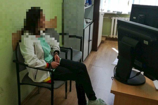 Pchnęła znajomego nożem. Bolesławianka aresztowana na 3 miesiące