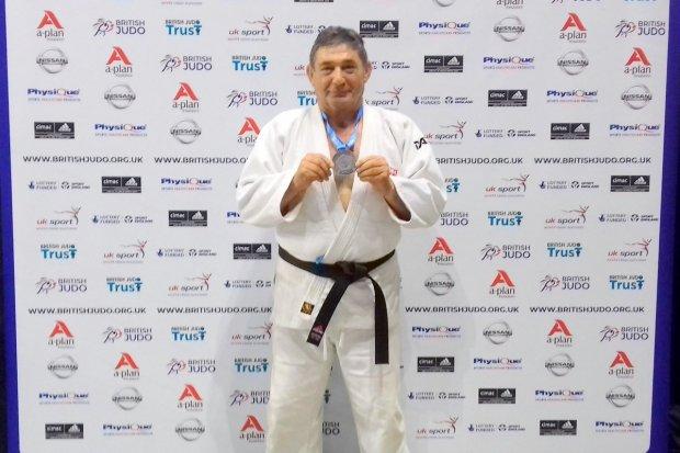 Edward Spraski ze srebrnym medalem Mistrzostw Europy Weteranów w judo