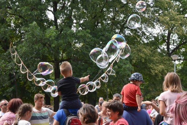 Za nami Festiwal Baniek Mydlanych na Spacerowej