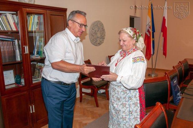Śpiewaczka Zofia Tarasiewicz nagrodzona na Festiwalu Kapel i Śpiewaków Ludowych