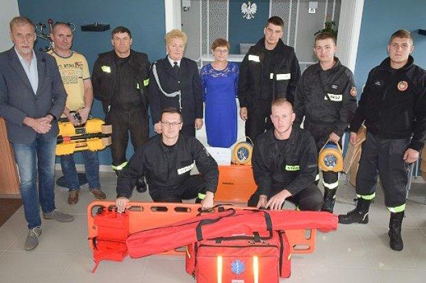 Strażacy ochotnicy z gminy Osiecznica z nowym sprzętem