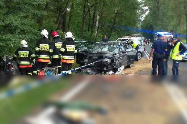 Śmiertelny wypadek na krajowej 36. Małżeństwo zginęło, 4 zostały ranne