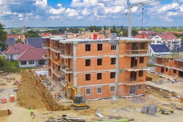 Jest chaos budowlany na osiedlu przy Pileckiego?