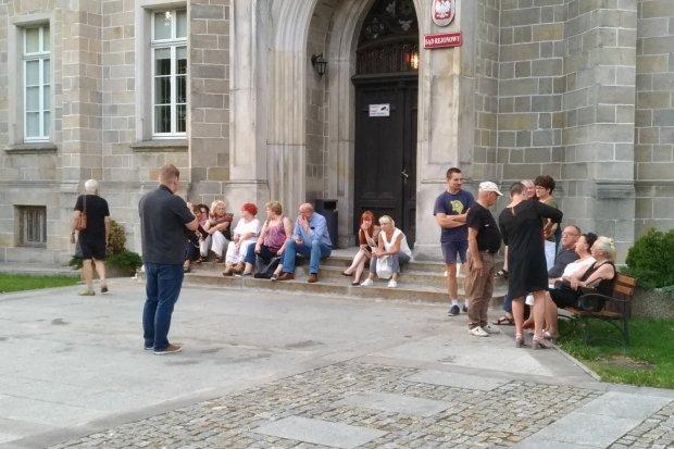 Bolesławianie protestują przed Sądem Rejonowym
