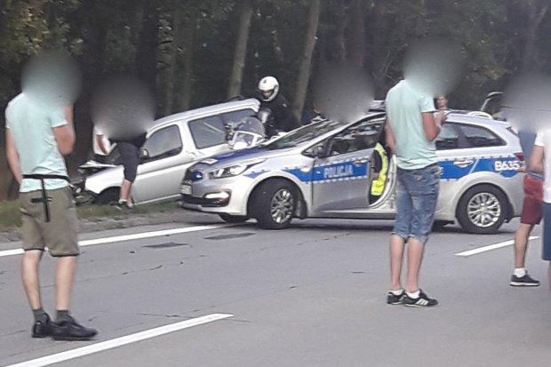 Karambol na A4. Kierowcy bmw i škody z 300-zł mandatami