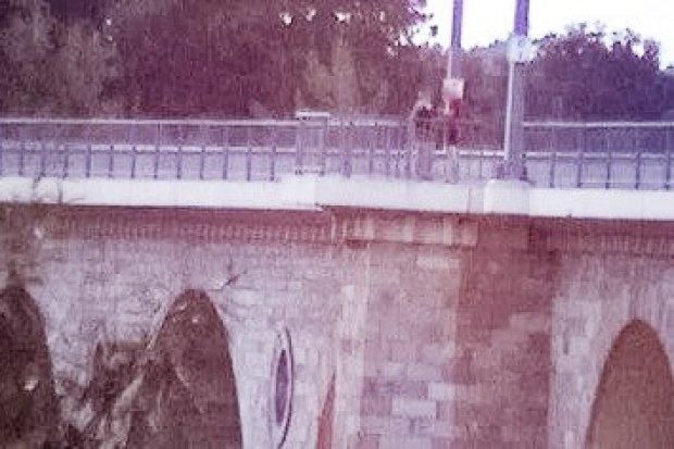 Dostali mandaty za ryzykowny spacer po bolesławieckim wiadukcie