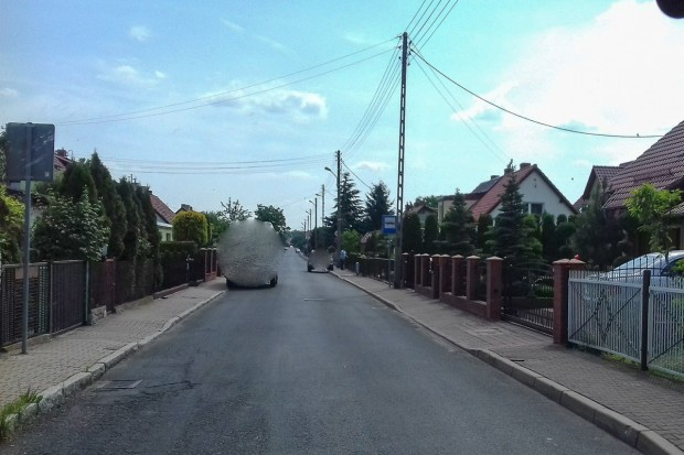 Czytelnik o ulicy Staszica: notorycznie parkują na zakazie