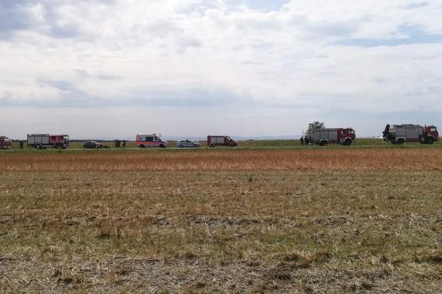 Wypadek między Czerną a Wykrotami. Auto dachowało, 41-latka w szpitalu
