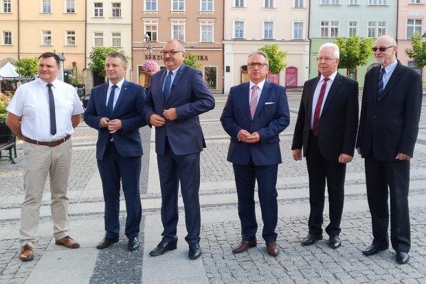 Bezpartyjni Samorządowcy apelują o przeniesienie terminu wyborów