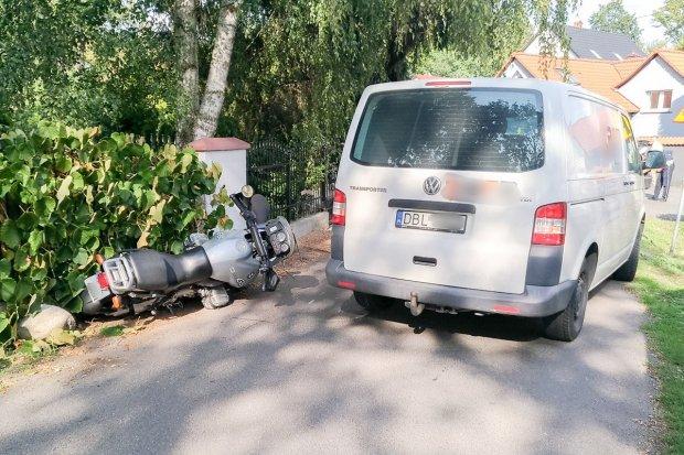 Wypadek w Kruszynie. Motocyklista z zakazem w szpitalu