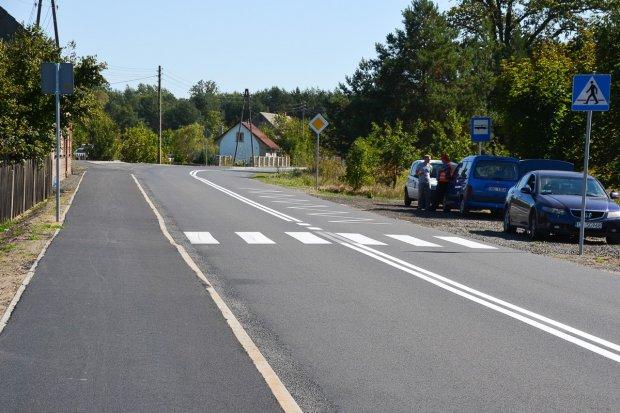 Nowy chodnik na ważnej gospodarczo drodze