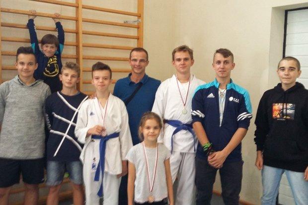 Karatecy TOP Bolesławiec rozpoczęli sezon. Dwa medale w Marcinkowicach
