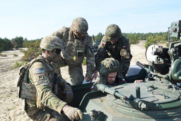 Zobacz jak bolesławieccy artylerzyści ćwiczą z Amerykanami