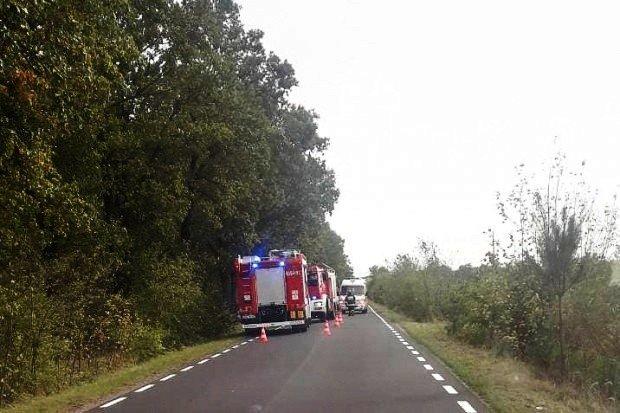 Wypadek w Tomaszowie Bolesławieckim. Kierowca Mercedesa ranny