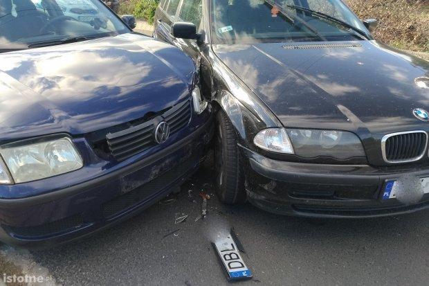 Kierowca BMW sprawcą kolizji na Zabobrzu