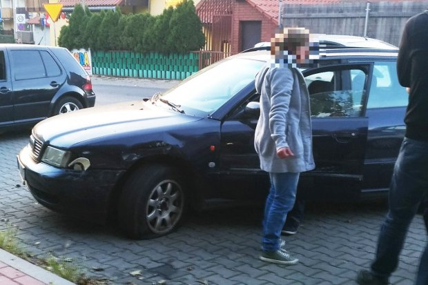 Nachlany kierowca uszkodził dwa samochody na Kleeberga