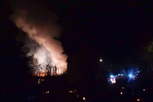 Nocny pożar w Nowogrodźcu. Spłonął pustostan